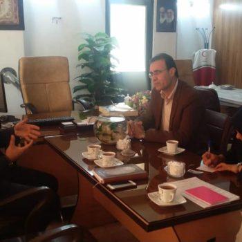 جلسه مدیر خیریه عطر یاس نبوی با رئیس کمیته امداد منطقه 6 شیراز